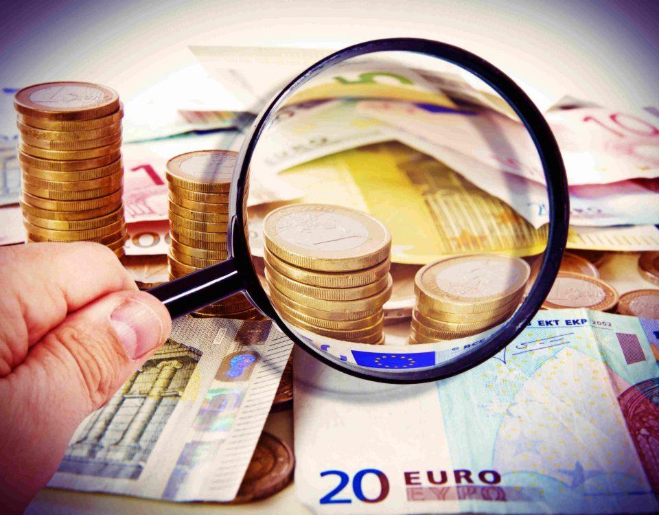 Lupe, Geldscheine, Münzen